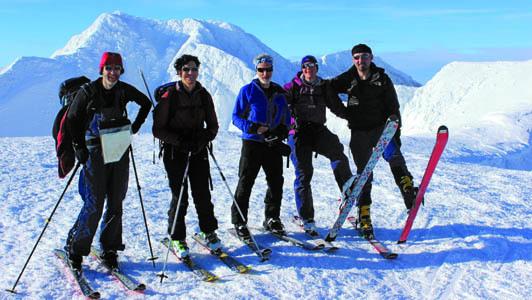 Il gruppo italo scozzese: da sinistra John, Chiara, Brian, Ingrid e il nostro corrispondente Michele Tomaselli (ph. M. Tomaselli)