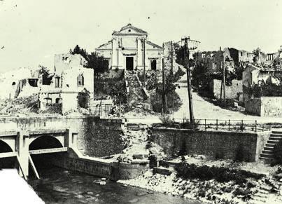 Sagrado 1916. La chiesa di S. Nicolò dopo il bombardamento (ph. Archivio Circolo Brandl-Turriaco)