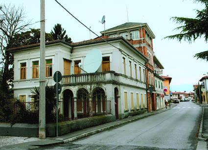 """Turriaco, """"Villa Mangilli"""" ai giorni nostri. Fu sede del Comando del XIII Corpo d'Armata (ph. Baldo Rinaldo)"""