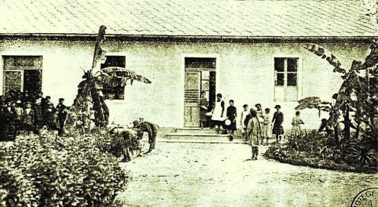 San Valentino di Fiumicello, 1916. Baracca scolastica (ph. Archivio Circolo Brandl - Turriaco)