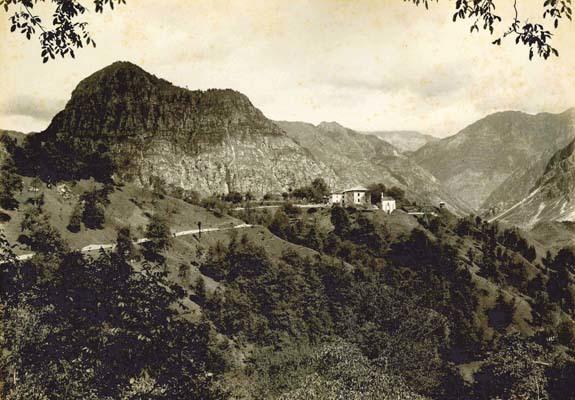 """Villa Ceconi a Pielungo prima della trasformazione in castello (foto su gentile concessione della Biblioteca """"Joppi"""" di Udine)"""