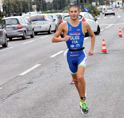La rimonta di Galassi nella frazione di corsa (ph. Ufficio stampa Triathlon Città di Trieste)