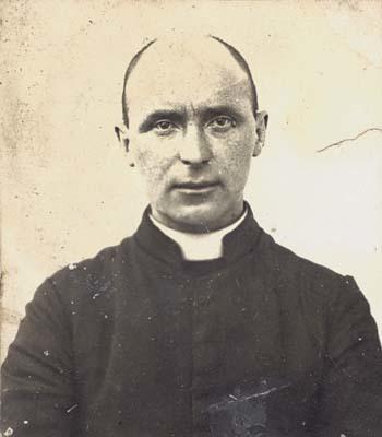 Don Eugenio Brandl, curato di Turriaco. Fototessera al tempo dell'internamento