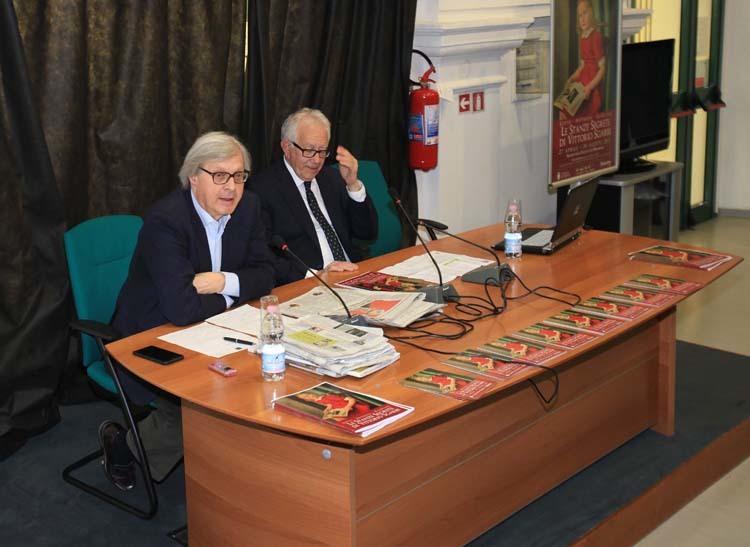 Vittorio Sgarbi, a sinistra, e Giorgio Rossi (ph. Comune di Trieste)