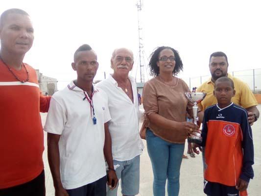 L'ASD S. Vito al Torre, attraverso il Torneo dedicato a Fabio Zuccheri, ha donato materiale sportivo alla scuola calcio di Capo Verde. L'Associazione Friuli x Capo Verde Onlus si è assunta l'incarico di consegnarlo alla scuola di S. Pedro