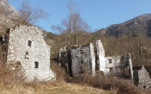 Palcoda, le rovine del borgo (ph. M. Tomaselli)