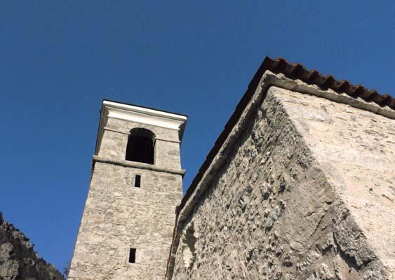 Palcoda, la chiesa intitolata a San Giacomo, con il suo campanile (ph. M. Tomaselli)