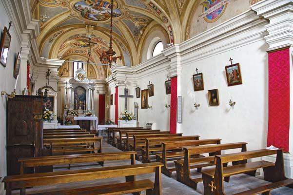 Interno della Chiesa della Santissima Trinità (ph. Igino Durisotti)