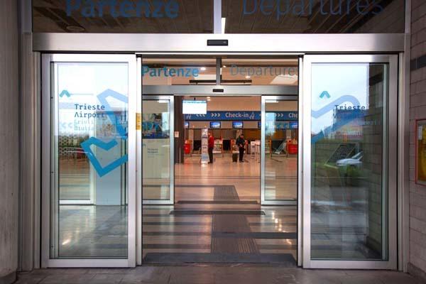 L'area partenze attuale di Trieste Airport (ph. TSA)
