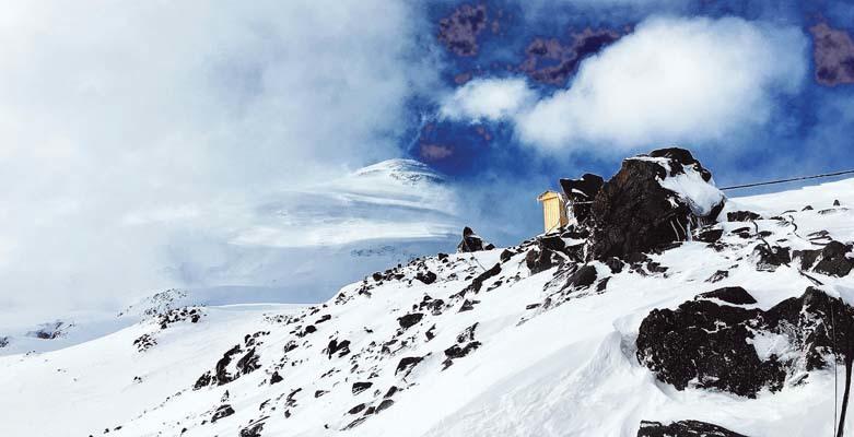 Uno scorcio dell'Elbrus dal Mir (ph. M. Tomaselli)