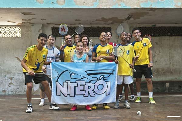 A Niteroi, favela di Rio, con i ragazzi del Badminton (ph. Lara Ciarabellini)