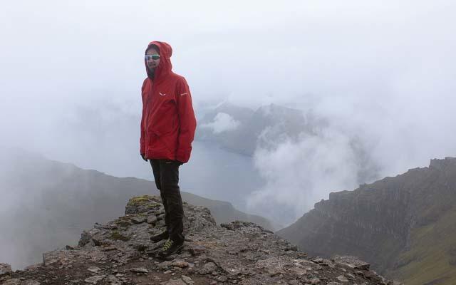Michele Tomaselli sulla cima del Slttaratindur