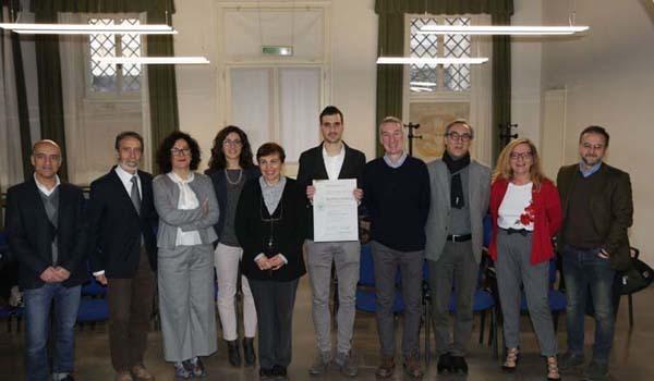 Da sinistra: Della Mea, Bruno Barbiani, Pilati, Camilla Barbiani, Di Loreto, Nobile, Mizzaro, Foresti, Maria Pia Rosenwirth (Area servizi agli studenti di Uniud) e Fedeli