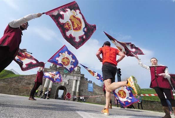 Un'immagine del passaggio dell'Unesco Cities Marathon a Palmanova lo scorso anno
