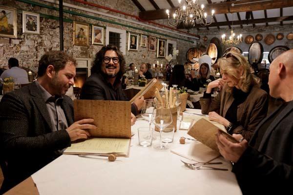 Durante la cena in uno dei locali (ph. PromoTurismo FVG)