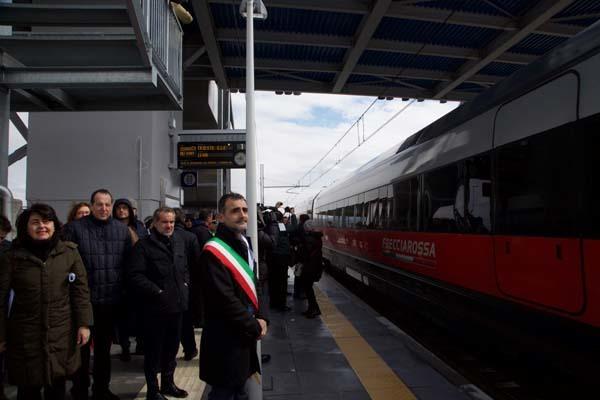 L'arrivo del Frecciarossa con a bordo la presidente Serracchiani