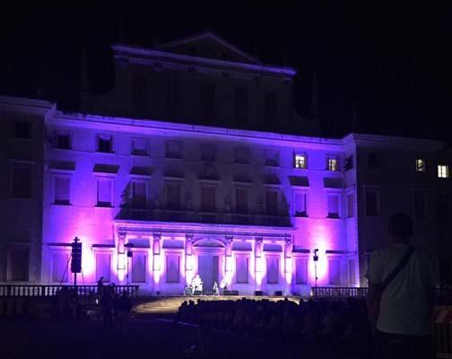 Villa Manin in notturna