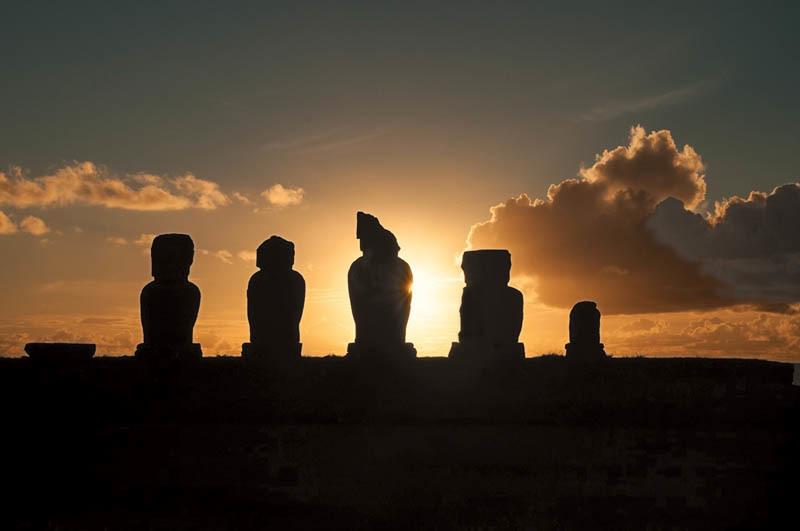 Suggestivo tramonto sull'Isola di Pasqua (ph. C. Pizzin)