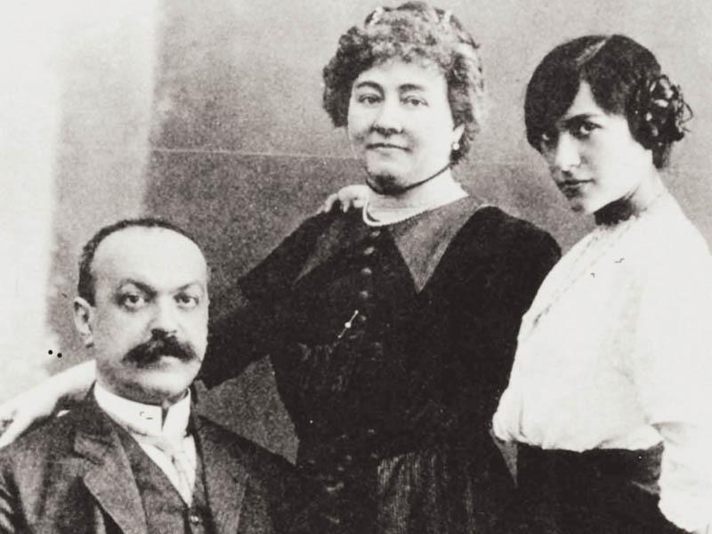 Italo Svevo con moglie e figlia in una foto del 1912