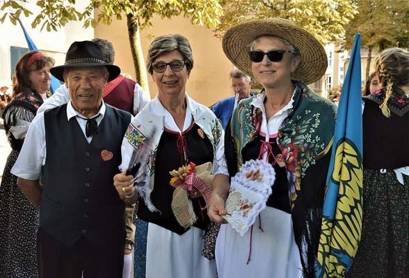 L'ex carabiniere Vittorio Giglio con due colleghe carinziane (ph. Luciano Malabotti e Livio Nonis)