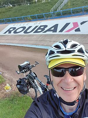 Mauro Buoro all'interno del Velodromo di Roubaix