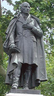 Trieste, Giardino pubblico Tommasini: statua di Domenico Rossetti de Scander