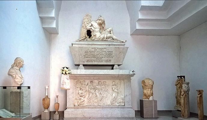 Trieste, Museo Civico: cenotaffio di Johann Joachim Winckelmann