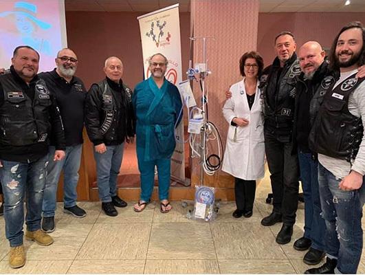 I bikers assieme alla direttrice della pediatria dell'ospedale San Polo di Monfalcone, Danica Dragovic