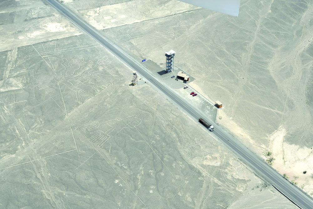 Le misteriose Linee di Nazca, attraversate dalla strada Pan-Americana (ph. Claudio Pizzin)