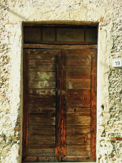 """Casarsa della Delizia: sulla porta di una casa del borgo, un giovane Pasolini scrisse """"Viva la libertà"""", contro il nazi-fascismo"""