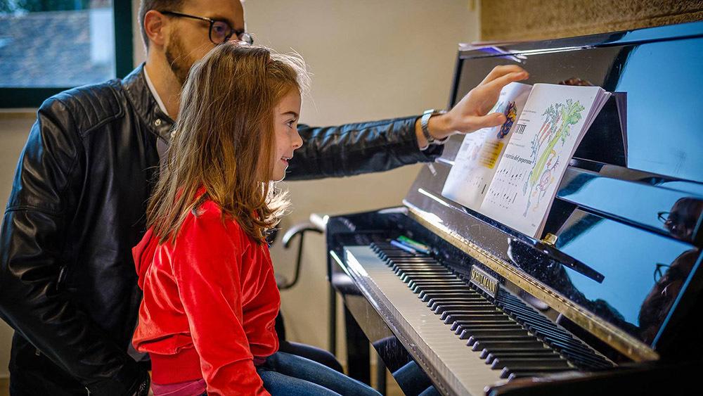 Lezioni di musica alla scuola di Ruda