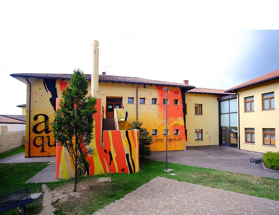 ACQUA CHE SCORRE FOREVER, opera realizzata da Campo Dall'Orto a Cervignano del Friuli, in collaborazione con Associazione Macross