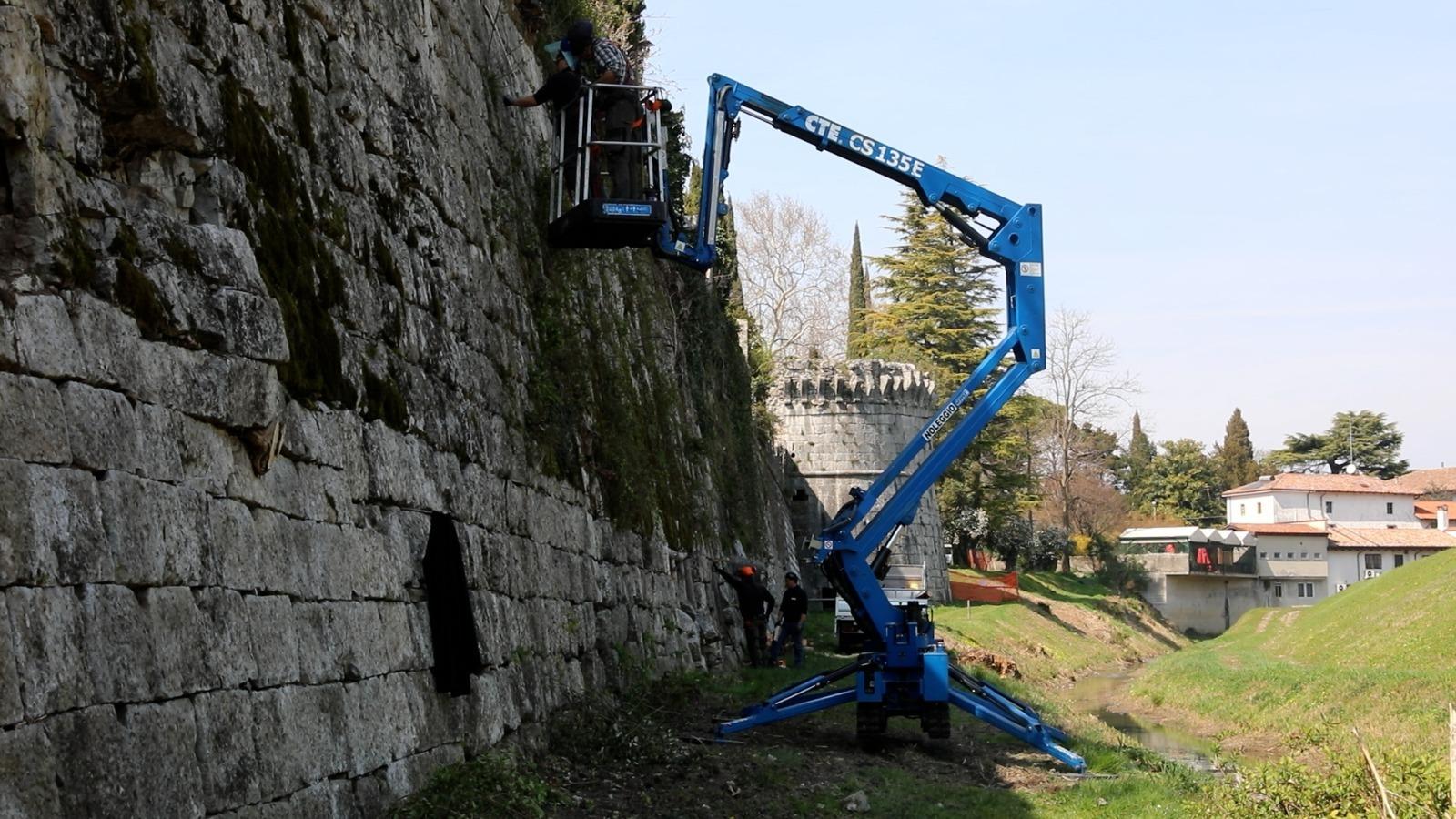 Lavori sulle mura a Gradisca d'Isonzo (ph. Regione FVG)