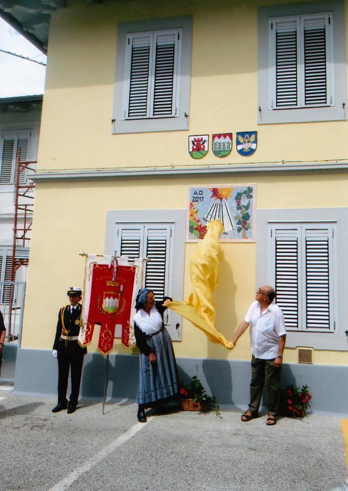 L'inaugurazione delle meridiana a Vermegliano, voluta da don Renzo Boscarol