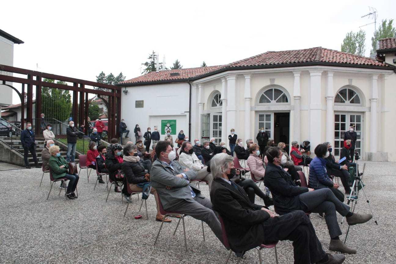 Il pubblico intervenuto all'inaugurazione