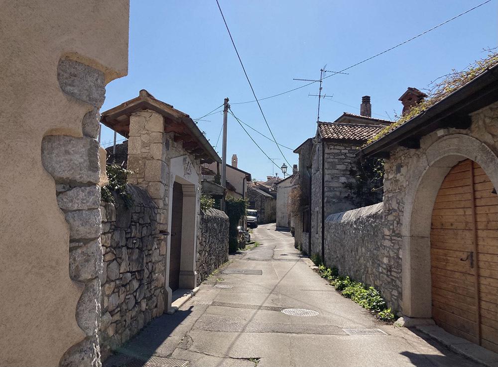 Duino Aurisina, borgo (© Fabiola Faidiga)