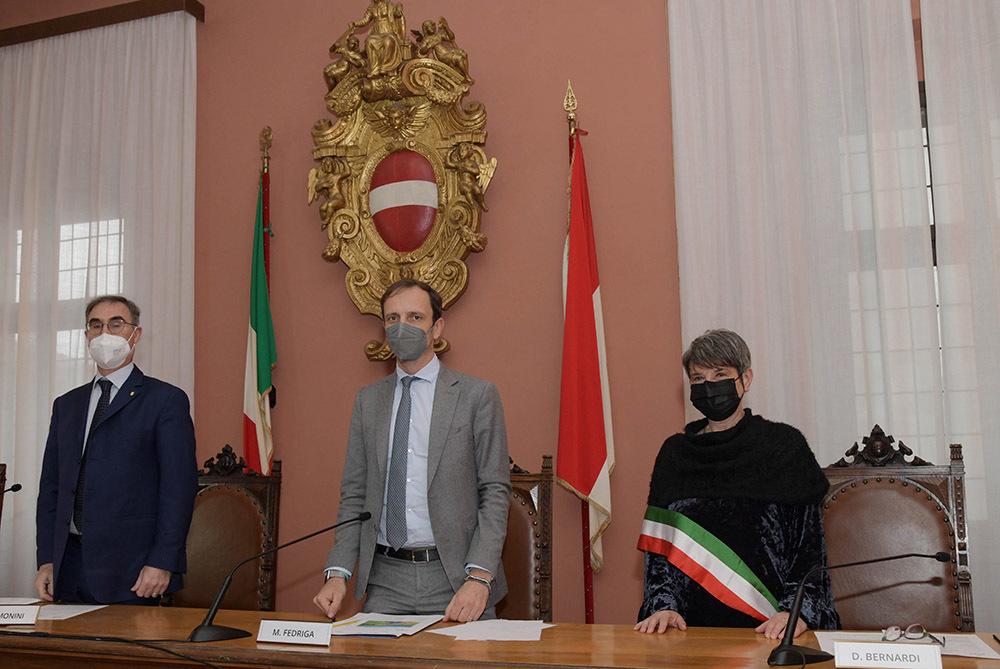 Il governatore Fedriga, al centro, con l'ad di Anas Simonini e la sindaca Bernardi (ph. ARC - Regione FVG)