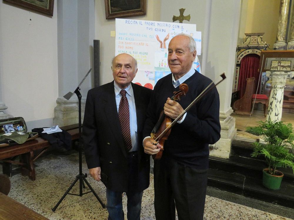 Fiorenzo Boscarol, componente del direttivo ACLI, con il violinista Albino Ghini