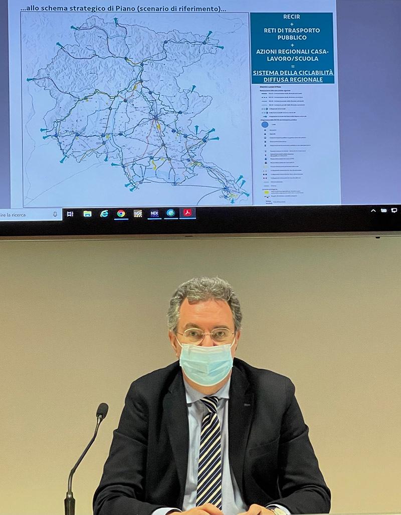 L'assessore Pizzimenti durante la presentazione del piano (ph. Regione FVG)