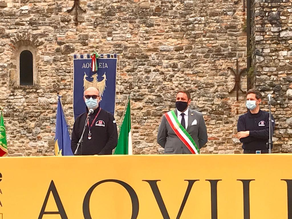 L'intervento di Riccardi; alle sue spalle il sindaco Zorino e il direttore Aristei (ph. ARC Pironio - Regione FVG)