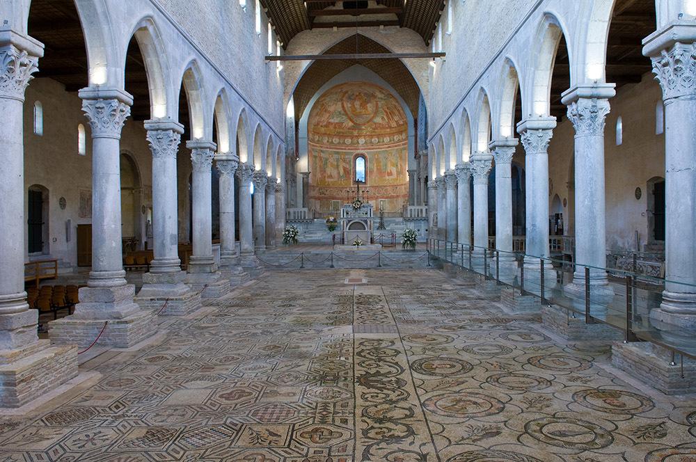 Interno della basilica di Aquileia (© G. Baronchelli)