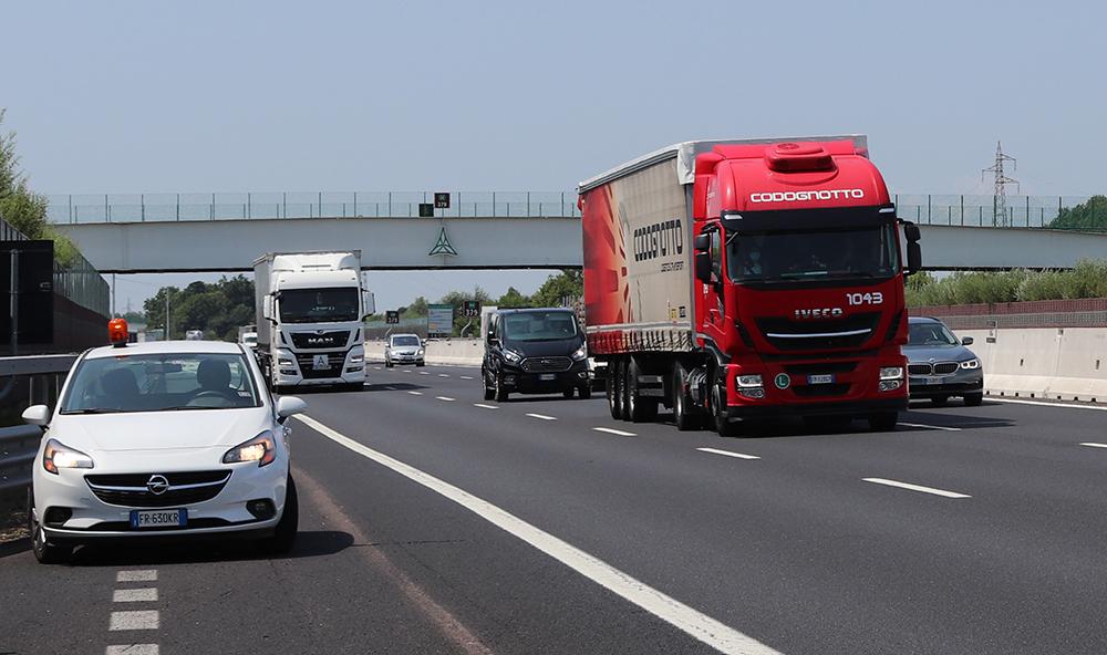 Test di guida assistita su mezzi pesanti