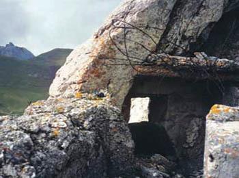 Brazzacco superiore, la rocca vista dalla parte posteriore (ph. Turismo FVG)